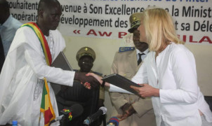 Minister Kaag signs MoU development plan Mali